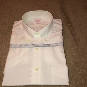 Brooks Brothers short sleeve dress shirt